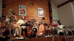 kirtan-with-mangalananda-and-friends